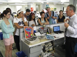 Arts Journalism students meet with John Timpane at the Inquirer